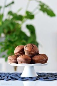 Muffinki czekoladowe, muffiny, muffinki dla dzieci, muffinki zczekolada, przepis nakinder party - kolorowy przepisownik, sprawdzone przepisy