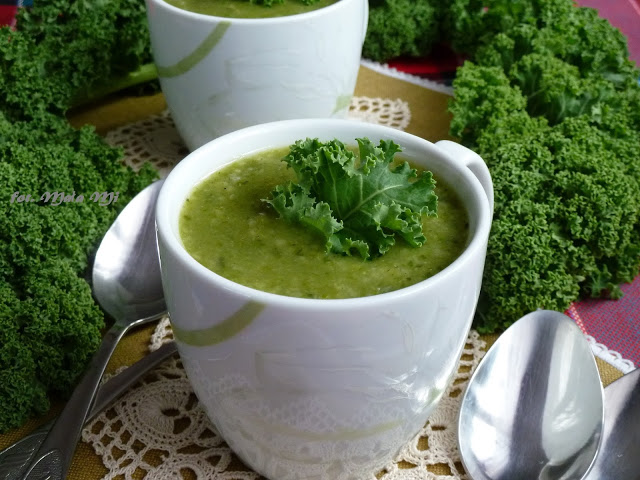 Zupa krem zjarmużu zziemniakami, brokułem ikuskusem, jarmuż, zupa zjarmużu, co można zrobić zjarmużu