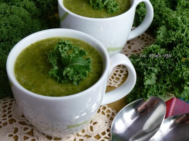 Zupa krem z jarmużu z ziemniakami, brokułem i kuskusem, jarmuż, zupa z jarmużu, co można zrobić z jarmużu