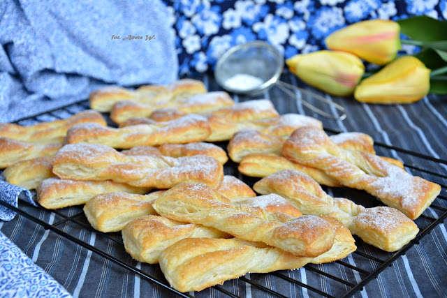 Faworki francuskie (ekspresowe(, faworki z ciasta francuskiego