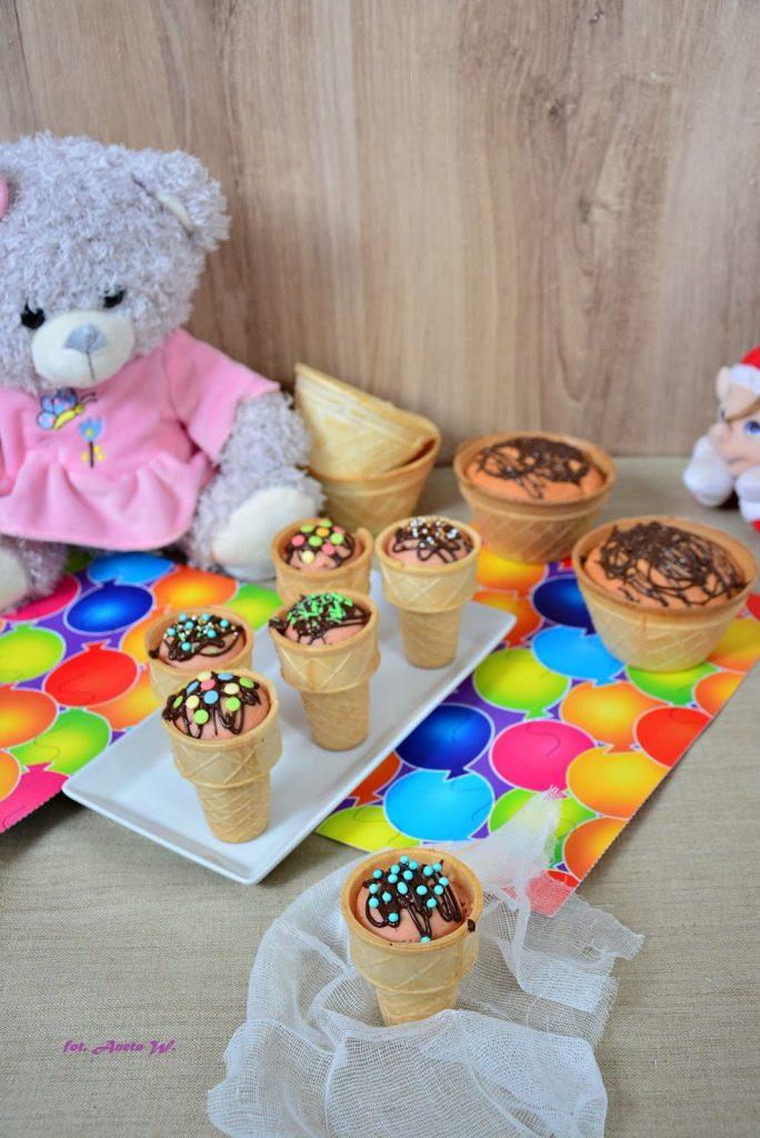 Muffinki w lodowych wafelkach, muffinki dla dzieci, muffinki na dzień dziecka, przepisy na dzień dziecka, e-book z przepisami, przepisy dla dzieci, kinder party, przepisy na kinder party - Kolorowy Przepisownik