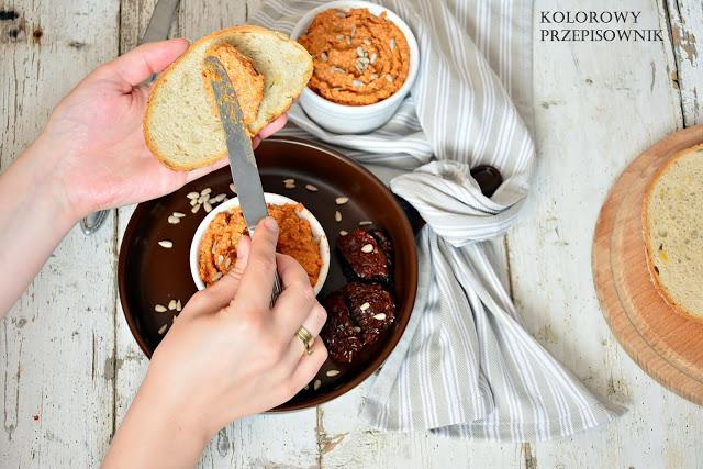 Pasta zesłonecznika isuszonych pomidorów