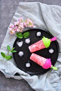 Lody truskawkowo-ciasteczkowe, lody truskawkowe, domowe lody, lody owocowe