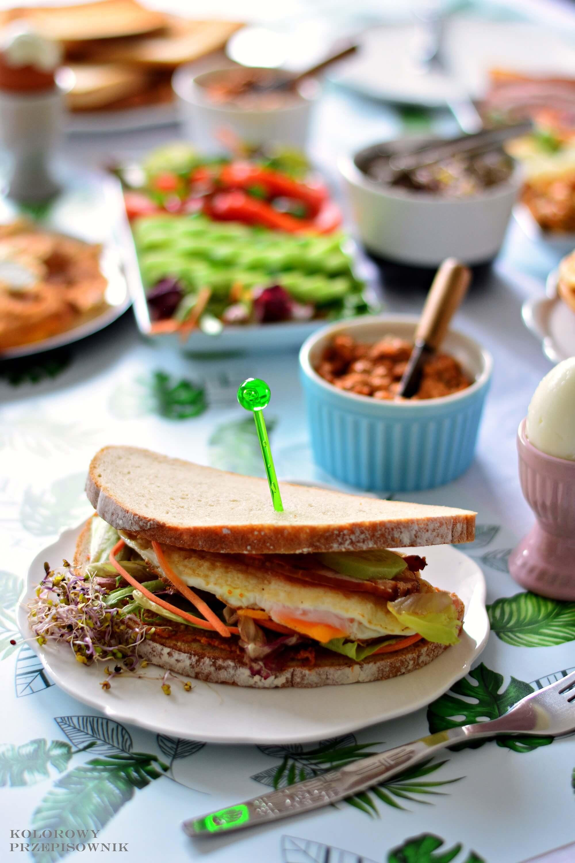 Sniadanie zjajkiem na4 sposoby, kanapka zjajkiem sadzonym