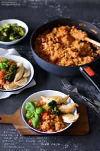 Potrawka warzywna zkasza orkiszowa, potrawka wegetarianska, jednogarnkowe danie, szybki obiad - Kolorowy Przepisownik, sprawdzone przepisy