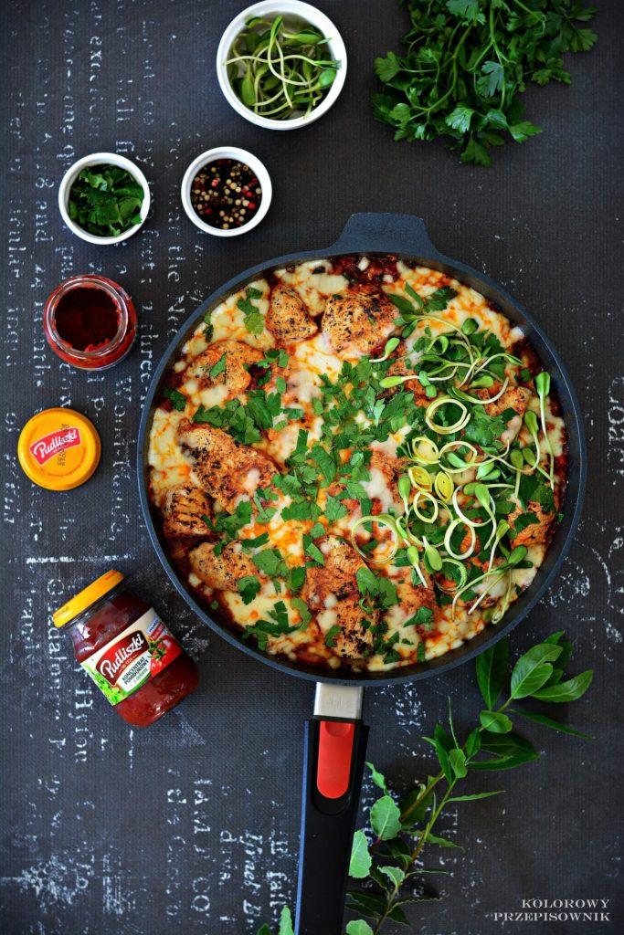 Indyk zwarzywami wsosie pomidorowym podmozzarella, piers zindyka wsosie, comfort food, przepis naszybki obiad, piers zindyka zwarzywami - Kolorowy Przepisownik, sprawdzone przepisy