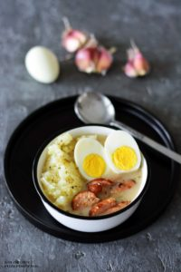 Zurek z jajkiem i kielbasa, zurek wielkanocny, zurek bez zakwasu, zurek z ziemniakami, przepisy wielkanocne - Kolorowy Przepisownik, sprawdzone przepisy