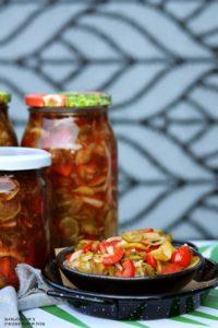 Salatka ogorkowa zkeczupem iprzyprawa wloska, salatka zogorkow, salatka dosloikow, salatka nazime - Kolorowy Przepisownik, blog kulinarny, sprawdzone przepisy
