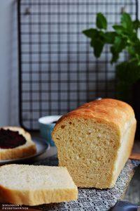 Chleb tostowy, przepis nachleb tostowy, puszysty chleb nadrozdzach, domowy chleb, pieczywo - Kolorowy Przepisownik, sprawdzone przepisy